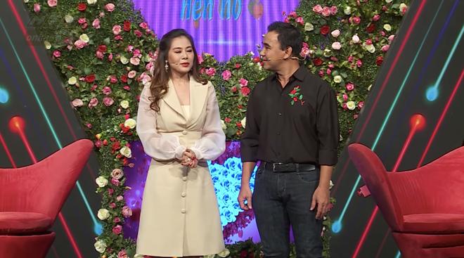 Nam Thư bị chê kém duyên, MC Quyền Linh lên tiếng: Cô ấy mới 1 ngày, Cát Tường 6 năm rồi