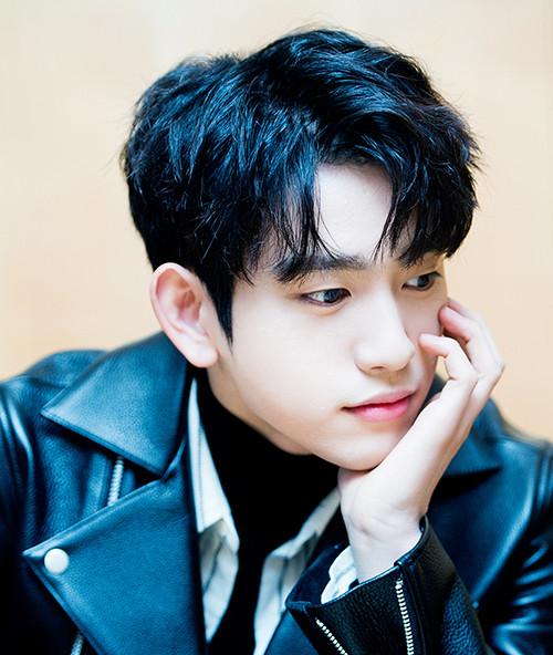 Top 6 nam idol visual khiến cả làng Kpop nghiêng mình: TaeHuyng xếp sau Cha Eun Woo?