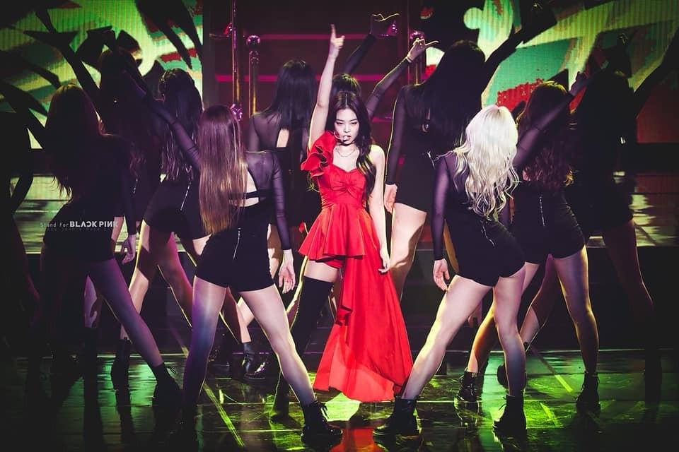 Chễm chệ đứng luôn 5 tháng liên tiếp tại top 1 của BXH thương hiệu cá nhân, Jennie chính là nữ idol Kpop làm nên ăn ra nhất showbiz