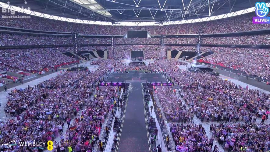 Hơn 60.000 Army đã khiến BTS phải khóc tại thánh địa Wembley vì điều này