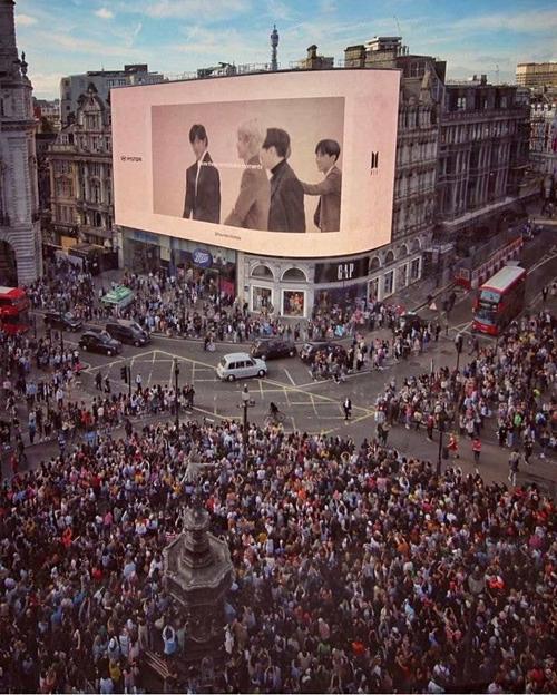 """Nhìn qua tên các nghệ sĩ tầm cỡ đặt chân đến Wembley, báo chí Anh gọi BTS là """"The Beatles thế kỉ 21"""" là đúng thực lực hay đã quá lời?"""