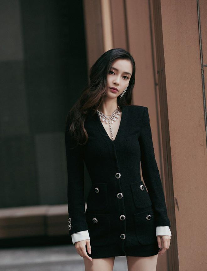 Đến lượt bà xã Huỳnh Hiểu Minh thử thách camera thường, liệu Angela Baby có thực sự mỹ miều như lời đồn?
