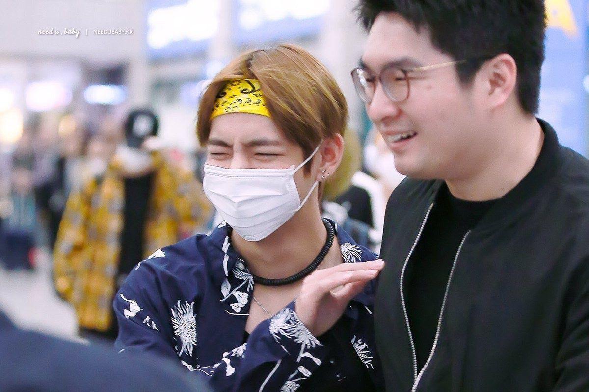 Moment của idol và vệ sĩ riêng ngọt đến sâu răng: IU có vệ sĩ khổng lồ, BTS ngoan ngoãn bên cạnh quản lý