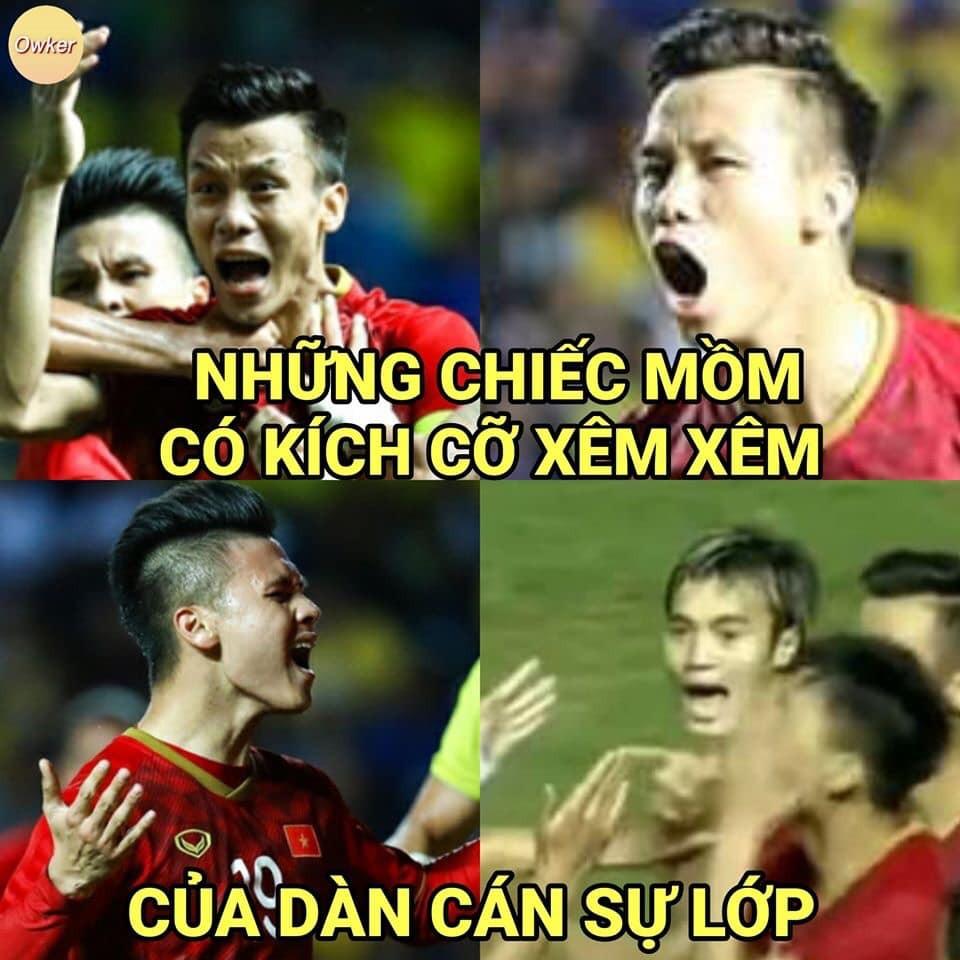 Thay vì mắng nhiếc đội nhà, CDM tạo ra loạt ảnh chế cực hài hước để cổ vũ tinh thần các cầu thủ Việt Nam