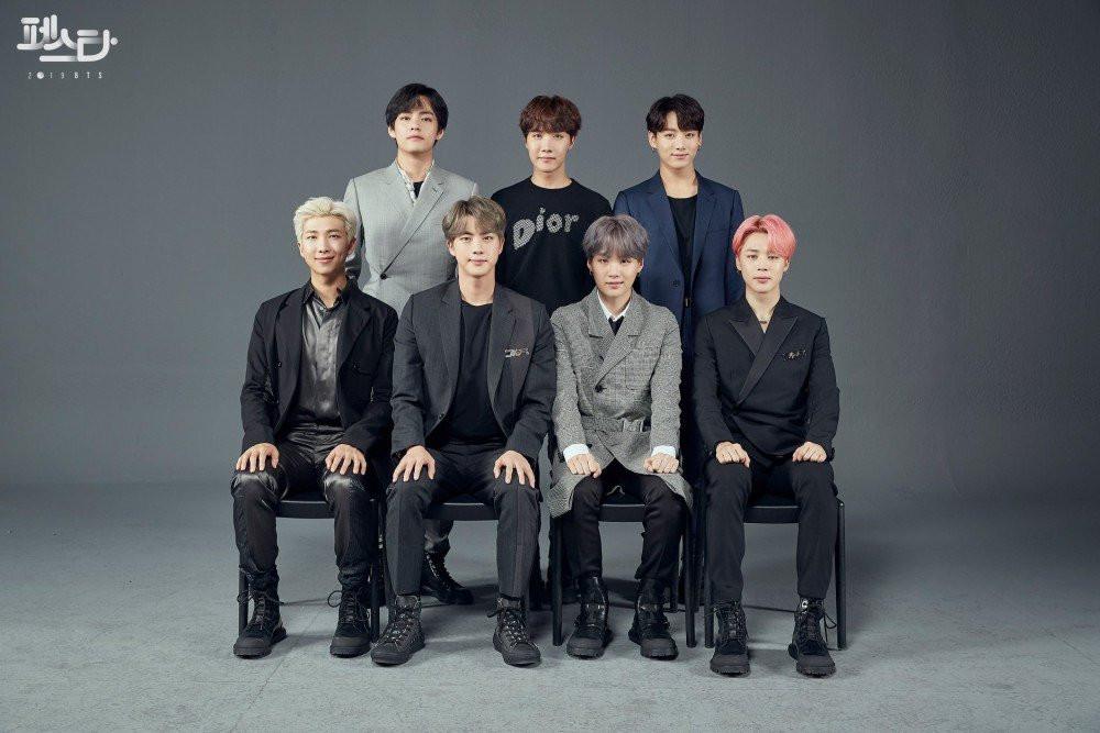 BTS tung bộ ảnh gia đình thứ 2 tặng fan, từ concept nghiêm túc đến lầy lội, ngọt ngào,... tất cả đều có đủ
