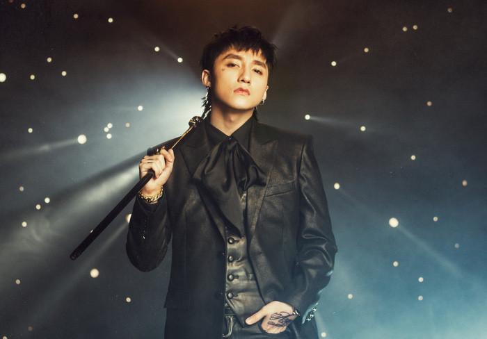 Sơn Tùng thông báo thực hiện Sky tour, fan mừng chưa được bao lâu đã khóc ròng vì giá vé tương đương mời sao Hàn