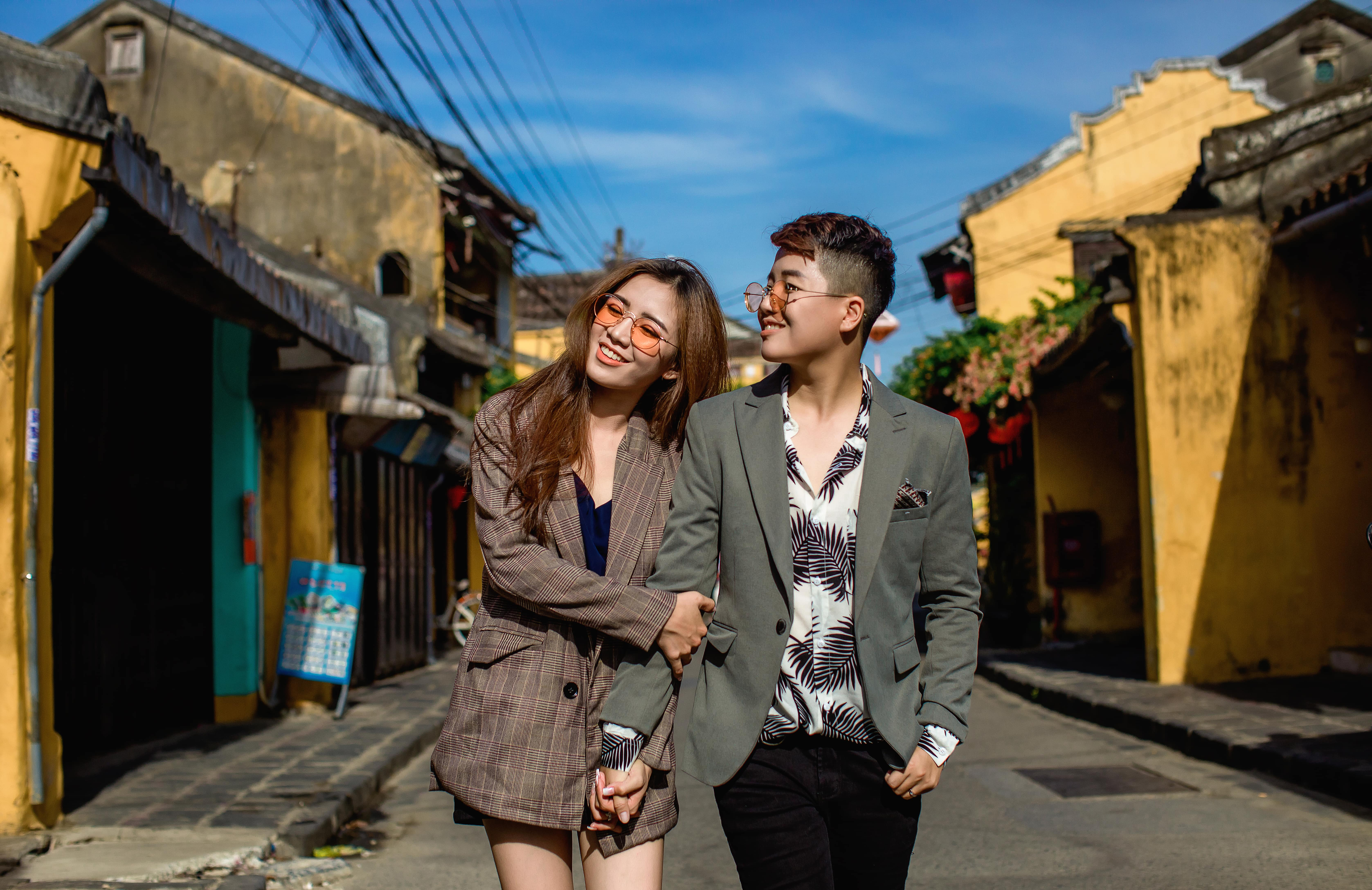 """'Đạo diễn triệu view' Yun Bin: """"Gia đình hai bên đều ủng hộ, chúc phúc chúng tôi kết hôn đồng giới"""""""