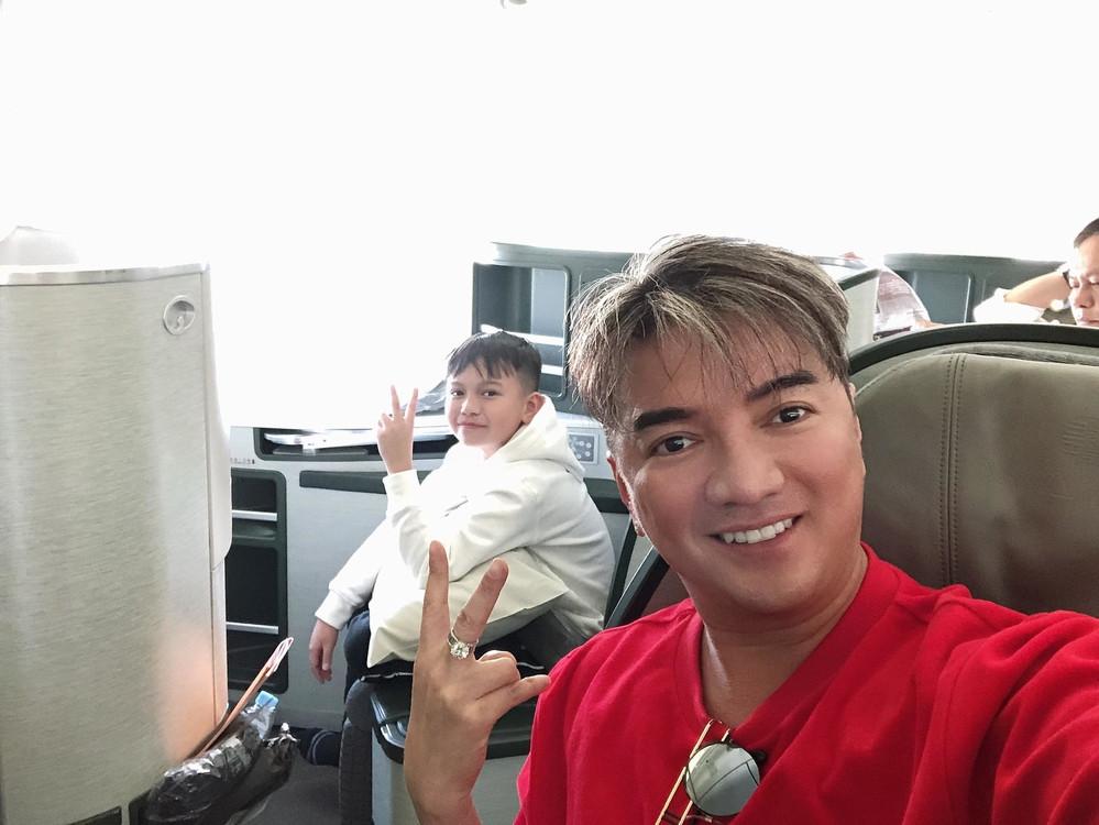 Nhân dịp Đàm Vĩnh Hưng dắt 2 con nuôi đi du lịch tại Mỹ,  CDM được chiêm ngưỡng biệt thự bạc triệu của ông hoàng nhạc Việt