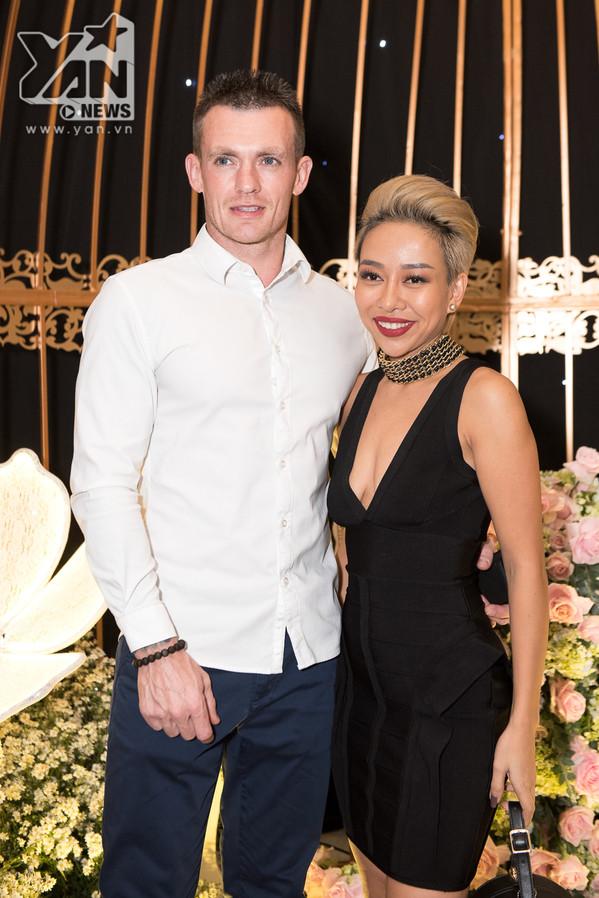 Dàn sao Việt quy tụ tại đám cưới Thu Thủy, mừng hạnh phúc nữ ca sĩ cùng người chồng kém 10 tuổi