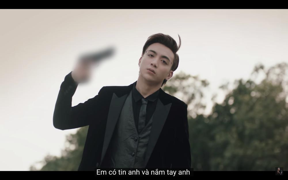Đứa con tinh thần bị Youtube gắn mác hạn chế, Soobin Hoàng Sơn viết gì trong tâm thư dài gửi đến fan