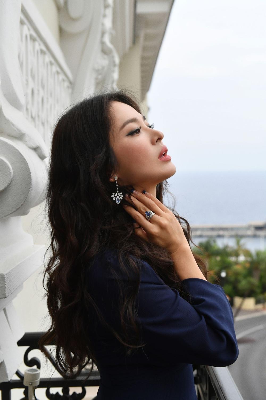 Song Hye Kyo qua nhận xét của tổng biên tập HongKong: Trông cô ấy dường như chưa từng trải qua biến cố nào