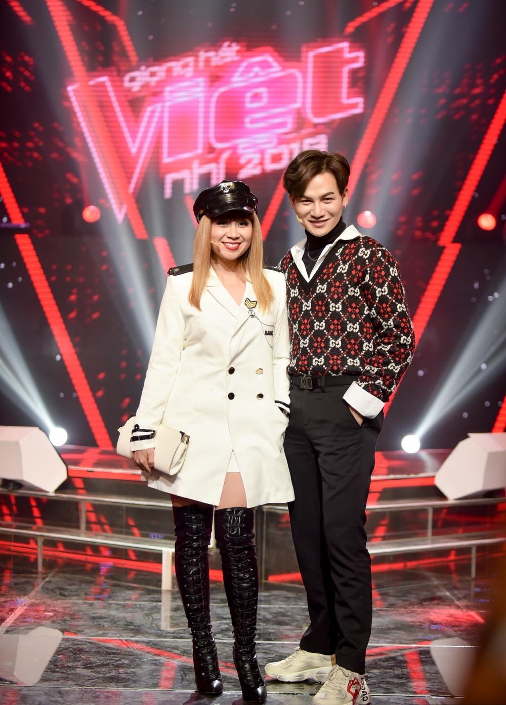 Ali Hoàng Dương bị chê kém duyên khi nhận xét Cô Hương Giang và cô Quỳnh Anh chưa chắc đã hát được như vậy
