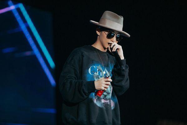 7 điều sai trái từ BTC Sky tour khiến Sky phải than trời Chuyên nghiệp lên!