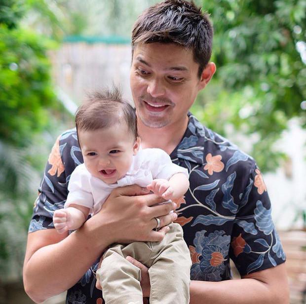 Gia đình 4 người nhan sắc cực phẩm tề tựu, làm lễ rửa tội cho quý tử của mỹ nhân đẹp nhất Philippines