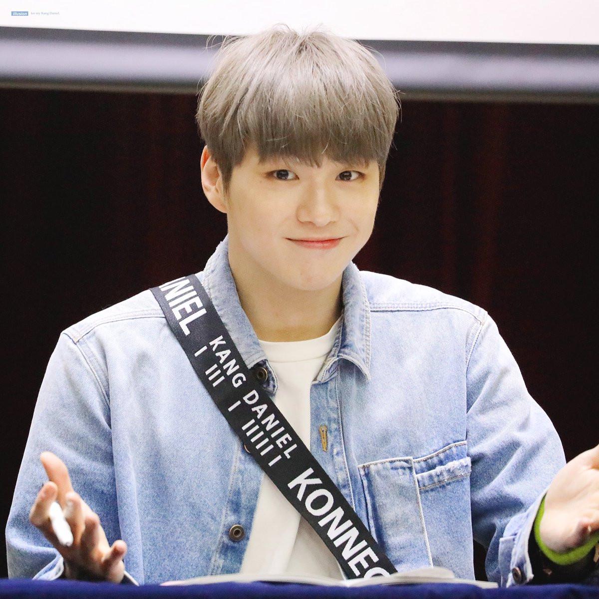 Center quốc dân Kang Daniel: Từ dancer phụ họa nghệ sĩ đến bạn trai nữ thần Jihyo (TWICE)