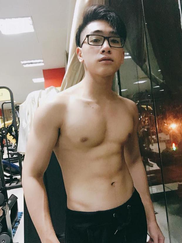 Tình mới trong MV cover của Link Ka thì ra là hotboy thế này: Sinh năm 2001, body 6 múi, hiện tại là Youtuber