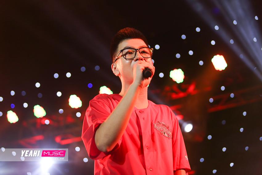Thái Đinh - Nam Kun, bộ đôi nghệ sĩ Indie thăng hoa trong đêm nhạc đầu tiên ở Sài Gòn