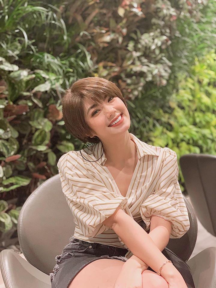 Nhan sắc bạn gái tin đồn của Tim - bạn gái cũ Karik: Có gương mặt và nụ cười hao hao giống Tóc Tiên