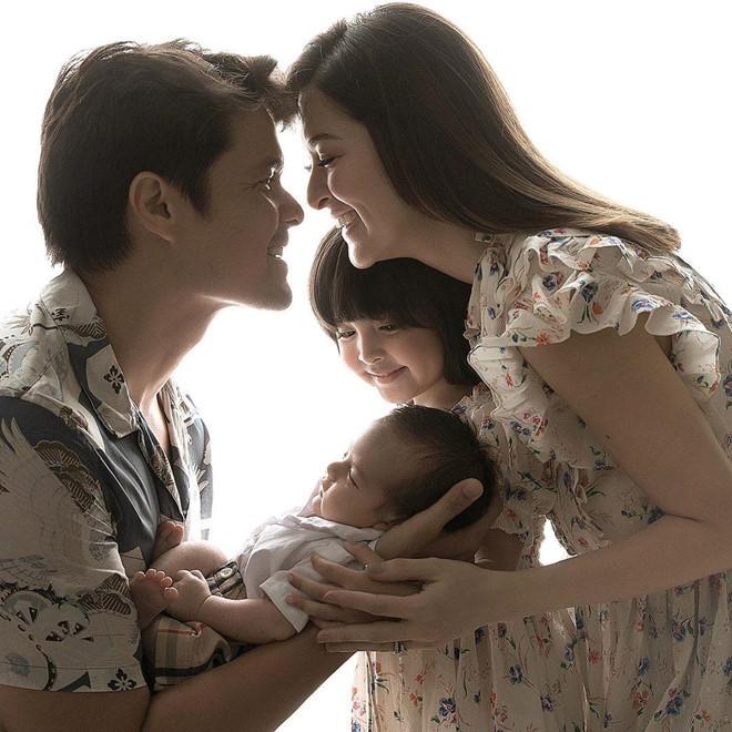Đẳng cấp như gia đình mỹ nhân đẹp nhất Philippines Marian Rivera, đăng ảnh tự dìm nhưng vẫn đáng yêu thế này!