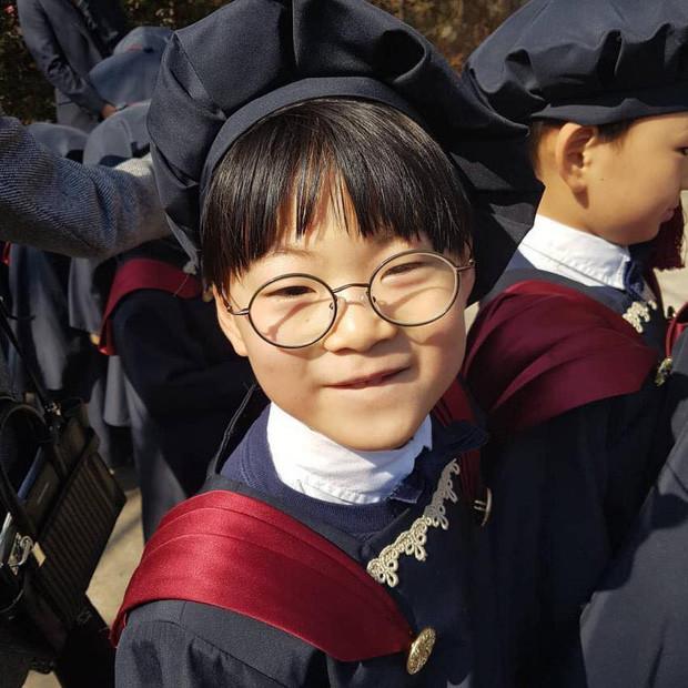 Bộ 3 Daehan, Minguk, Manse lớn phổng phao dự lễ tốt nghiệp mẫu giáo, anh cả còn được phát biểu trước toàn trường