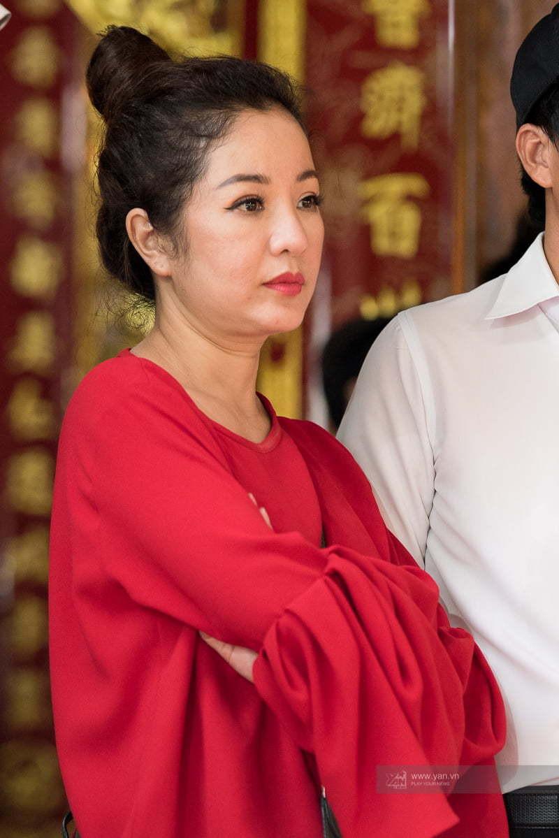 Dàn sao Việt dâng hương tại nhà thờ Tổ của Hoài Linh trước ngày giỗ Tổ