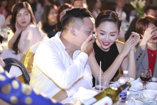 Tóc Tiên chia sẻ: Anh Hoàng từng tự ái vì bị mẹ tôi cấm cản hai đứa đến với nhau