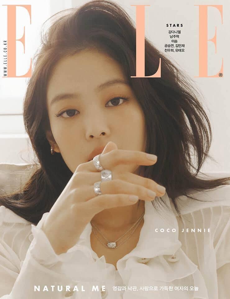 Rosé thử nghiệm phong cách u ám, Jennie xuất hiện thuần khiết trên 2 trang bìa tạp chí lớn