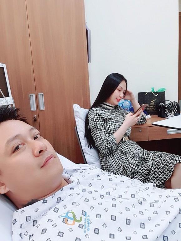 Hậu nhập viên, Tuấn Hưng chia sẻ sức khỏe đã ổn định nhưng lại bị hở van tim