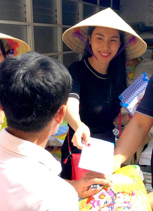 Kịch bản cũ của CDM: Huỳnh Phương tặng quà bạc triệu cho bạn gái, antifan vào hỏi Đã đi từ thiện chưa?