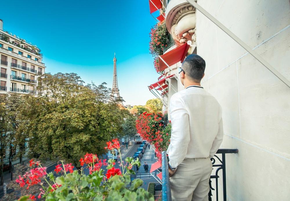 Mức giá khách sạn Ngọc Trinh chọn tại Pháp: 110 triệu đồng / đêm cho view tháp Eiffel giữa lòng Paris