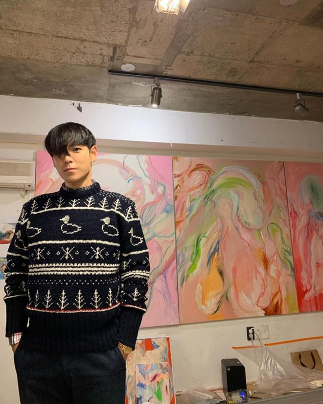 Bigbang vừa hoàn tất nghĩa vụ quân sự, TOP đã khoe tóc mới dự báo chuẩn bị comeback?