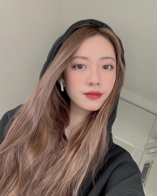 Bạn gái Rocker Nguyễn khoe mặt mộc xinh đẹp khiến CDM chú ý