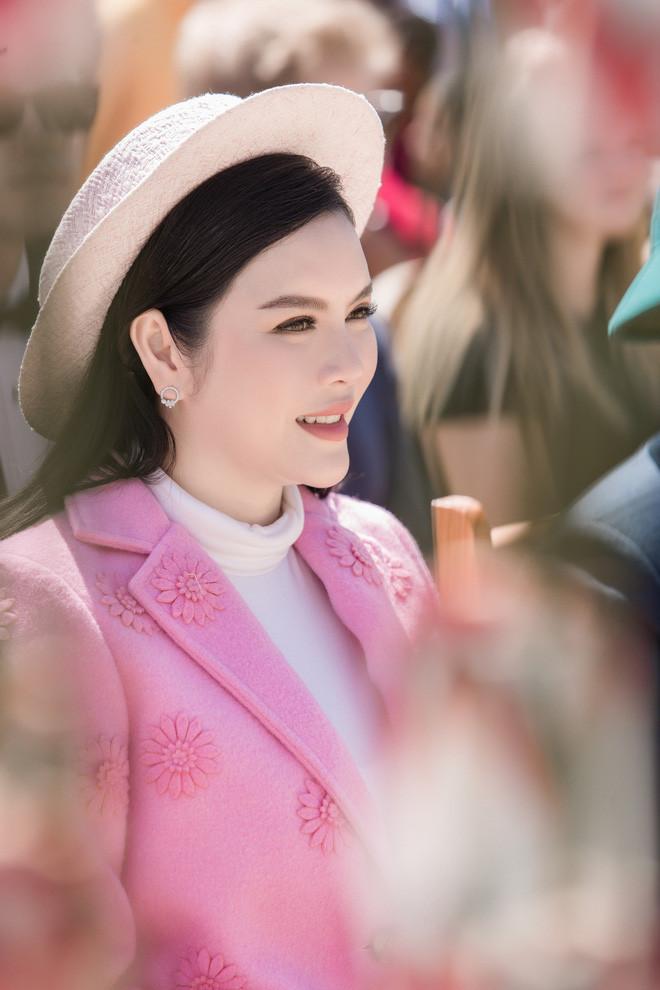 Sau tấm ảnh cưới với Đại Nghĩa, Lý Nhã Kỳ hack tuổi đỉnh cao khi diện trang phục đơn giản nhưng quý phái