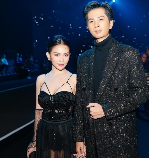 Huỳnh Phương - Sĩ Thanh diện đồ tone - sur - tone, trở thành cặp đôi thời thượng nhất tại sự kiện
