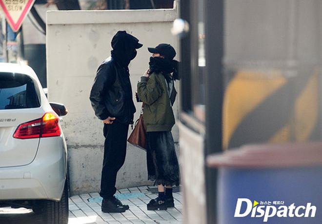 CDM hoảng loạn trước hình ảnh hẹn hò của V (BTS) và Jisoo (Blackpink), liệu đây là cặp đôi bị Dispatch khui tin năm nay?