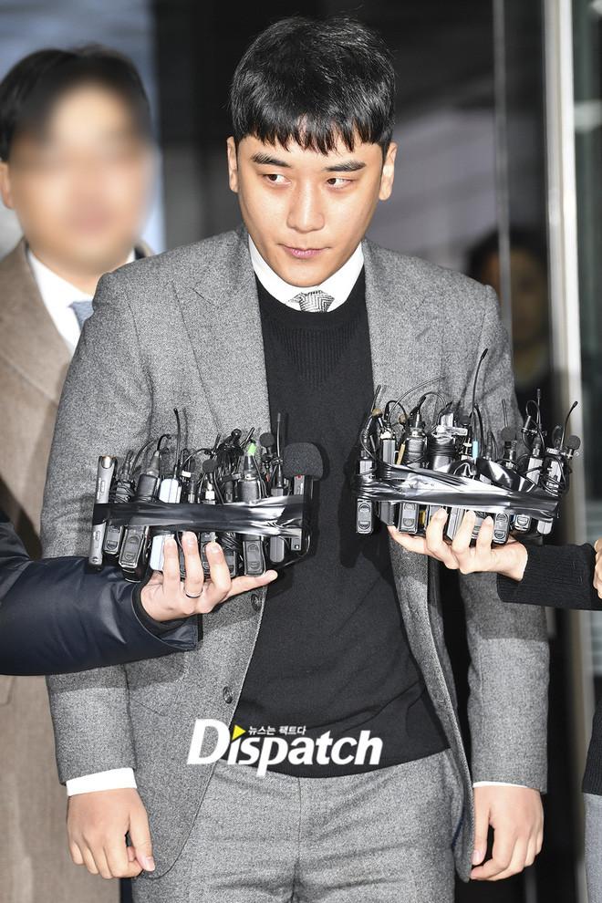 Xuất hiện tại tòa sau 5 tháng biến mất, Seungri đối diện với 7 cáo buộc hình sự