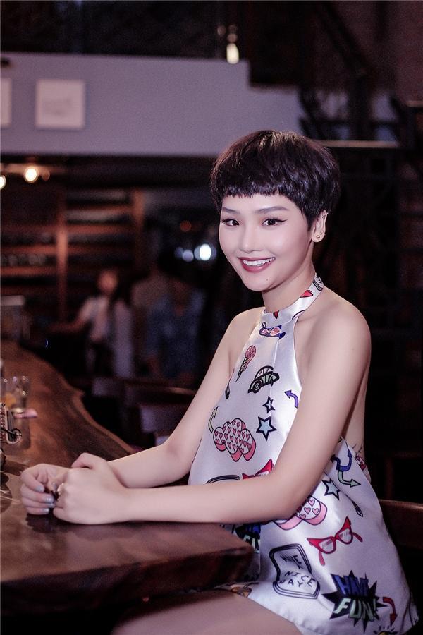 Hương Ly đáp trả gay gắt chuyện đột nhiên bị Miu Lê cà khịa dưới bài đăng của quản lý Ngô Kiến Huy