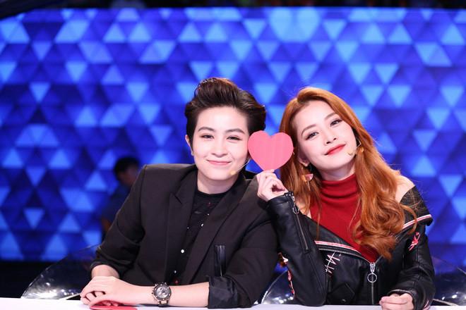 Netizen đào mộ talkshow Gil Lê và Chi Pu nói về tình yêu, sự trùng hợp này có phải đang nói về đối phương?