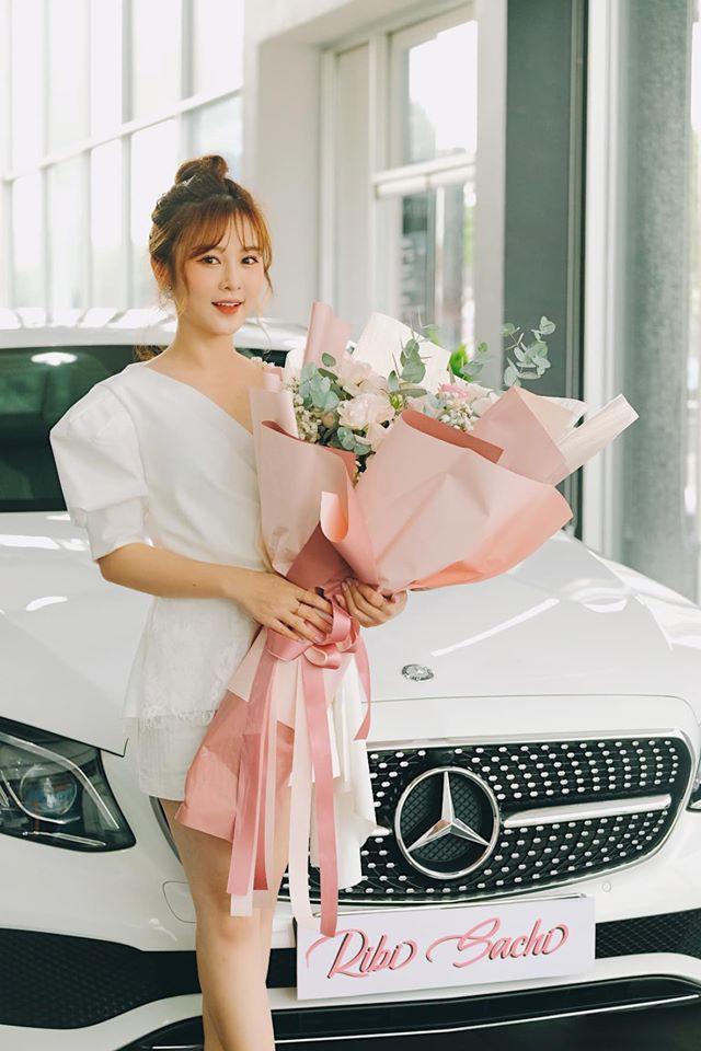 Người yêu tin đồn của Ngô Kiến Huy - Hotgirl FAPTV sắm xe hơi tiền tỉ ở tuổi 30