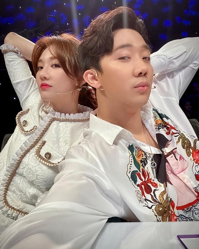 Loạt cặp đôi còn YOLO của showbiz: Khởi My - Kelvin Khánh không thích con nít, Trấn Thành - Hari Won thừa nhận còn ham chơi