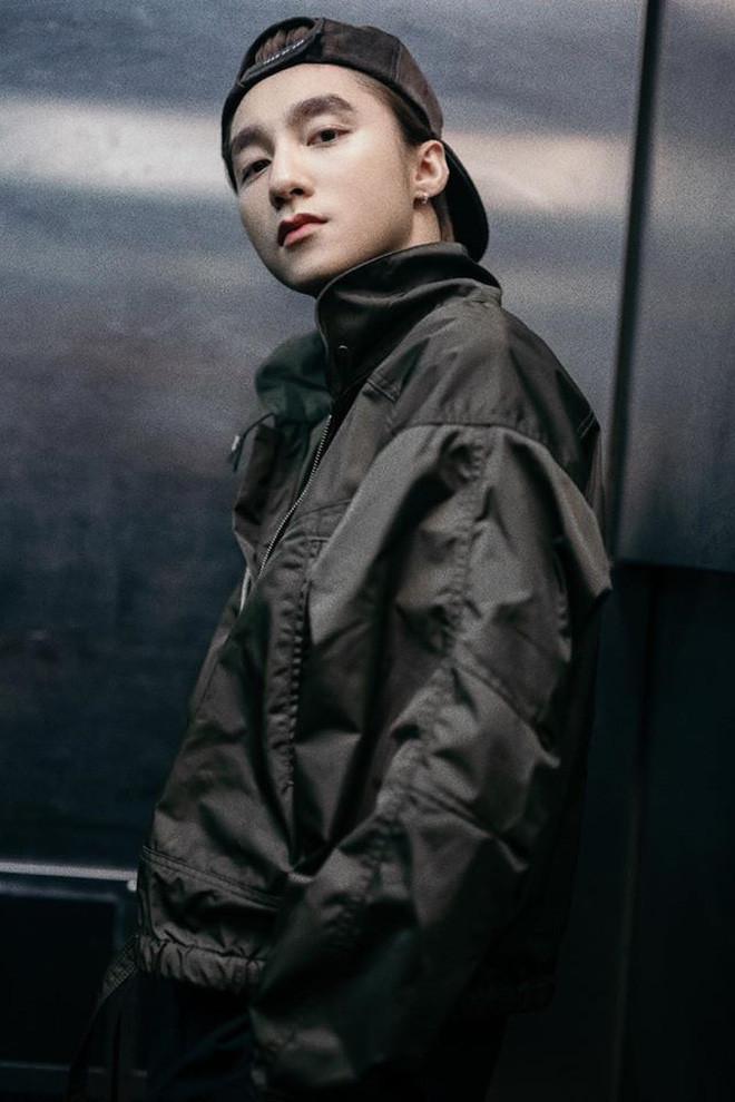 Sơn Tùng đụng độ K-ICM: Người 1 năm comeback 1 lần, người phát hành liên tục 9 MV trong 6 tháng