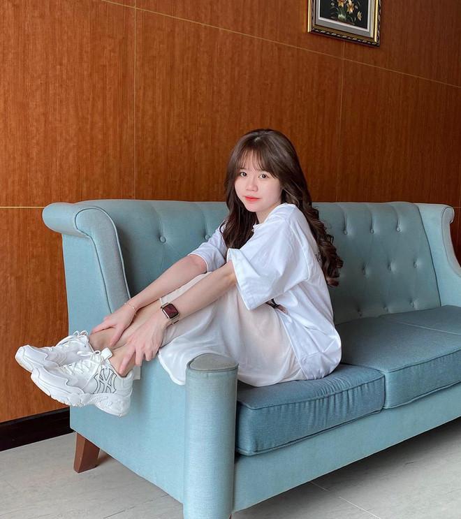 Bị dè bỉu hám fame Huỳnh Anh, nàng hotgirl bạn thân đáp trả cực gắt: Em search Google coi chị là ai
