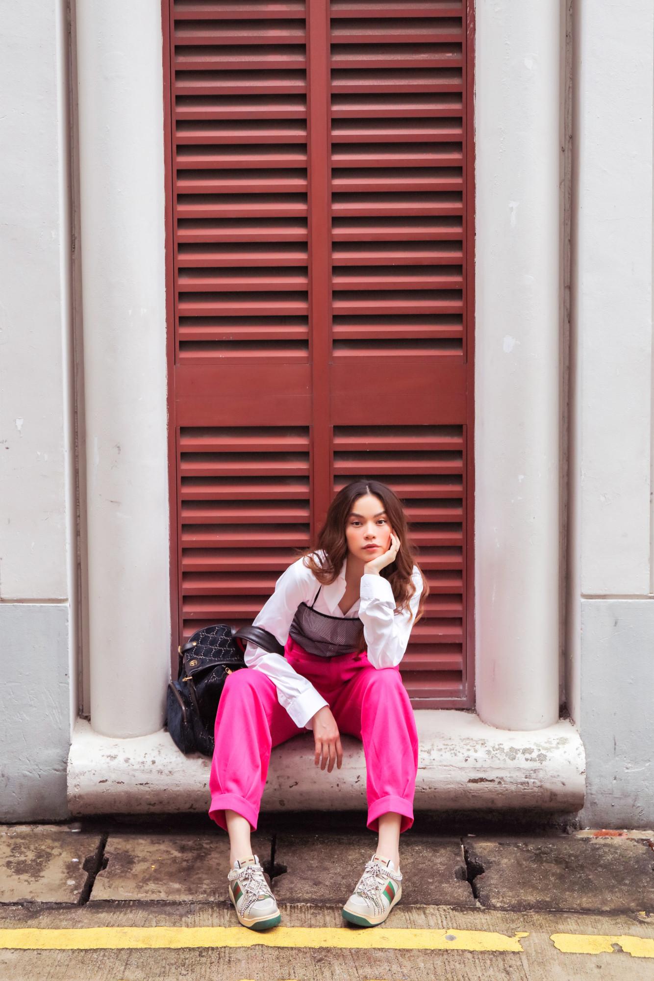 Hồ Ngọc Hà sang Singapore làm giám khảo cuộc thi âm nhạc mới