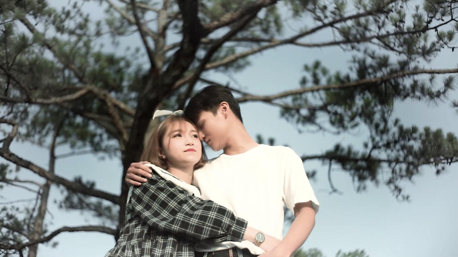 """""""Rụng tim"""" trước nhan sắc và giọng hát ngọt lịm của cô gái lai Việt-Mỹ Sasha Mai trong MV mới"""
