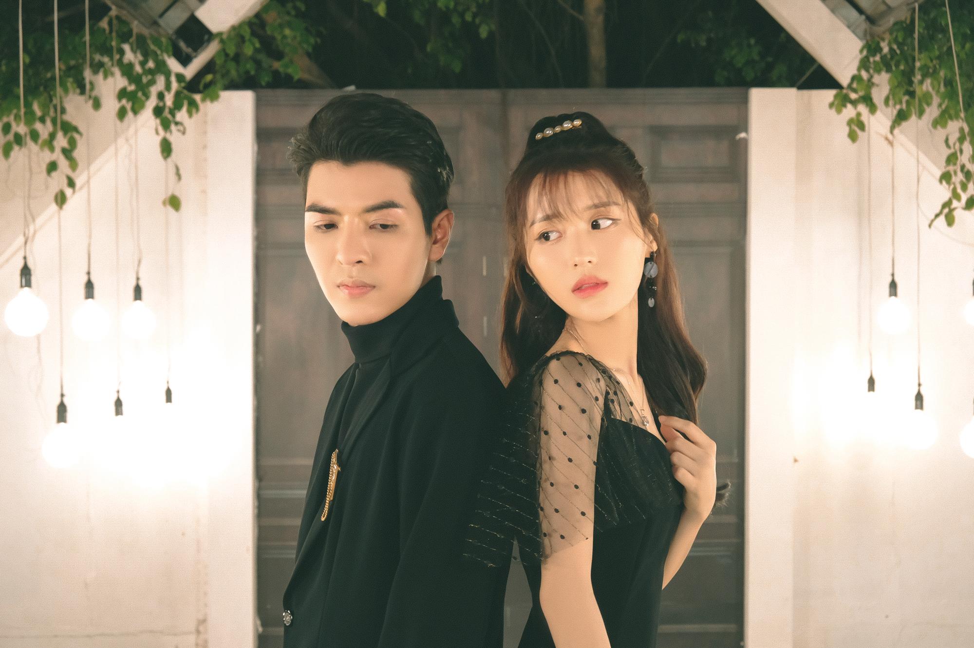Đỗ Hiếu tình tứ cùng đàn em Han Sara trong sản phẩm âm nhạc đầu tay đi hát