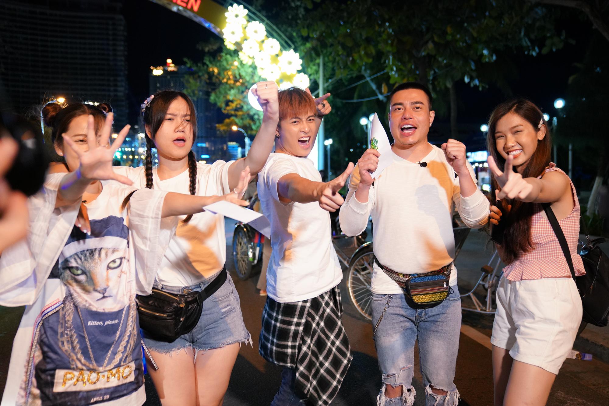 Lâm Vỹ Dạ, Puka được con trai Hàn Quốc khen xinh đẹp, Dương Lâm, Gin Tuấn Kiệt bán sinh tố vỉa hè mưu sinh