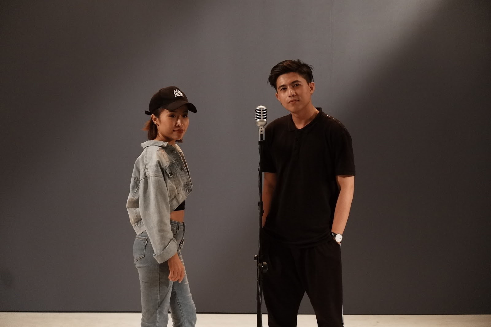 Gặp Ron - kẻ ngoại đạo ấn tượng của rap Việt.