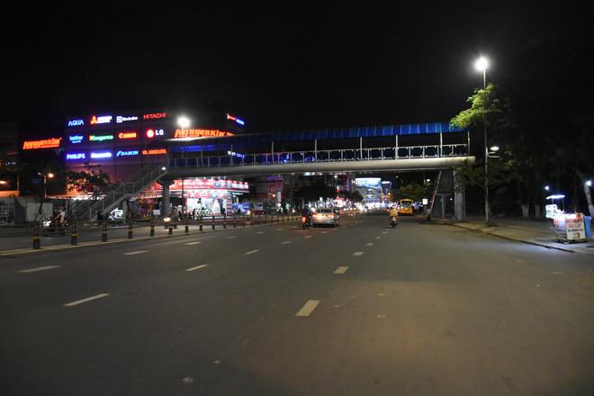 Hàng loạt hàng quán ở Đà Nẵng đóng cửa thực hiện lệnh giới nghiêm