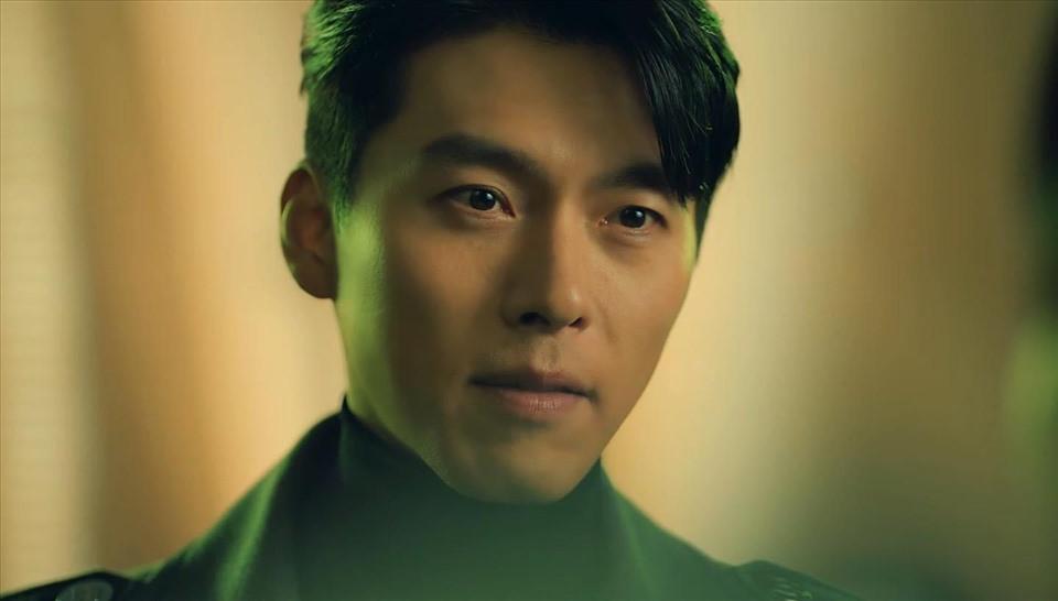 Hậu trường quay quảng cáo của Son Ye Jin - Hyun Bin hậu công khai hẹn hò: Nàng liên tục đánh yêu chàng, đứng chụp ảnh sát rạt không ngại ngần