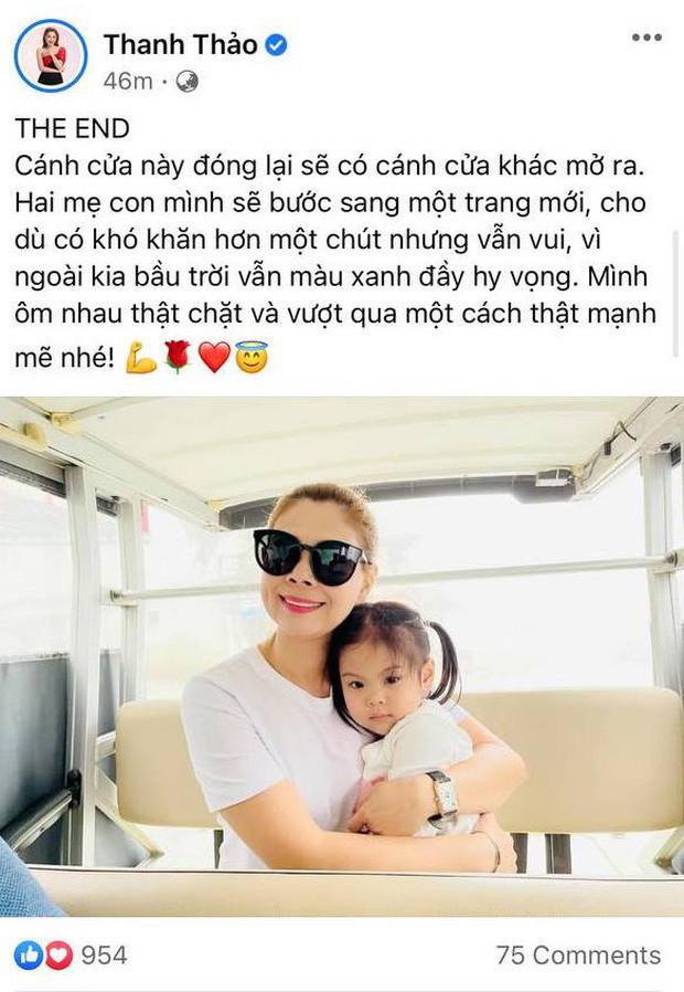 Thanh Thảo bất ngờ đăng ảnh ôm con gái cùng dòng trạng thái THE END, nghi vấn trục trặc hôn nhân với ông xã Việt Kiều?